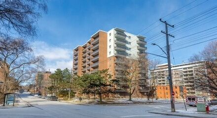 15 Elizabeth North Condos MLS Listings