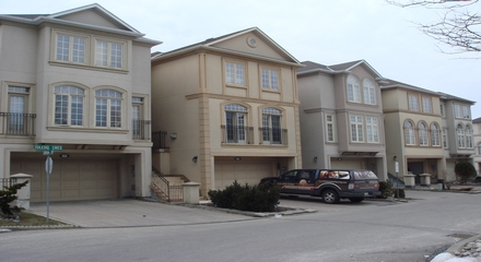 Cordoba Toledo Condo Townhomes Vaughan Thornhill MLS Listings For Sale
