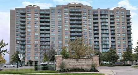 Gates Bayview Glen Condo 39 Oneida Richmond Hill MLS Listings For Sale