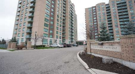 Gates Bayview Glen 11 Oneida Richmond Hill Condo MLS Listings For Sale