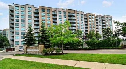 Gates Bayview Glen Condo 51 Baffin Richmond Hill MLS Listings For Sale