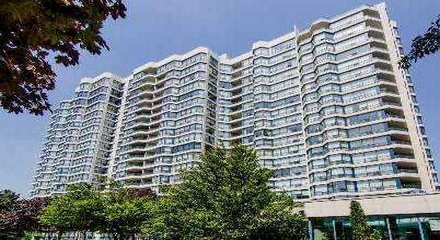 Skyrise Condos 1 Clark Thornhill Vaughan MLS Listings For Sale