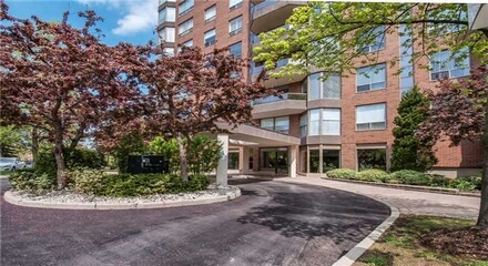 The Arboretum Condos 1905 Pilgrims Oakville MLS Listings